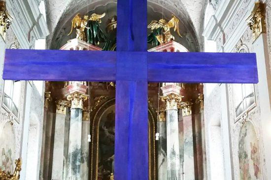 Michaela Wiegele und Alois Hechl-Kreuter, Das doppelte Kreuz, Kunstinstallation für Kunst im Dom 2019, Klagenfurt, Foto: Dompfarre